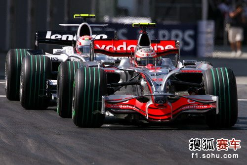图文:F1日本站首次练习赛 科瓦莱宁驶上赛道
