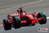 图文:F1日本站首次练习赛 莱科宁在比赛中