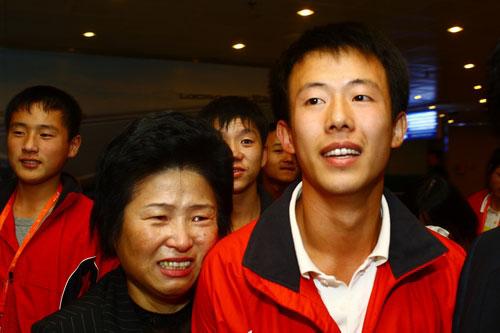 激动的朝鲜代表团成员
