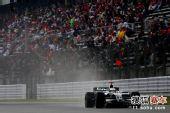 图文:F1日本站第三次练习赛 罗斯伯格在比赛中