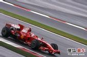 图文:F1日本站第三次练习赛 莱科宁在赛道疾驰