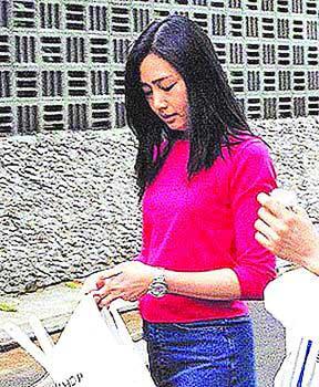 朱丽倩曾被发现与刘家佣人一同买菜