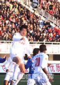 图文:[中超]长春6-0广州 达扎吉争顶