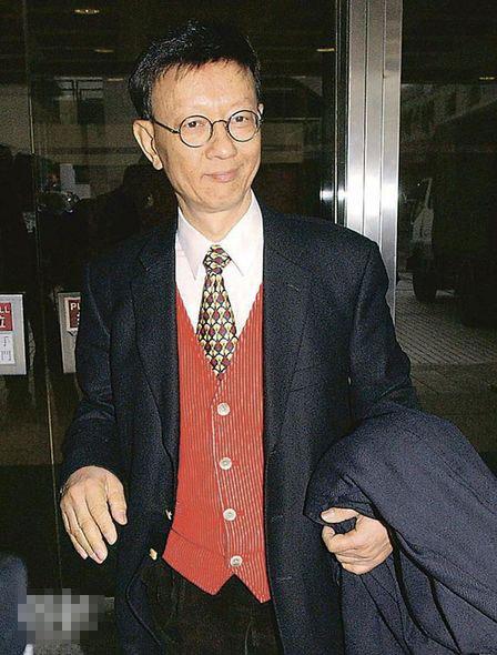 陈裘大被传获假释出狱回家居住