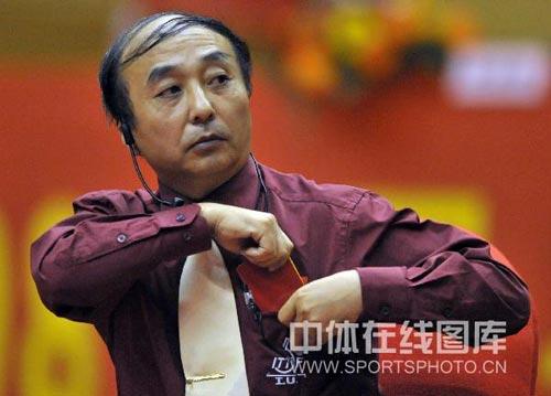 图文:浙商银行3-1锦州银行 裁判出示红牌