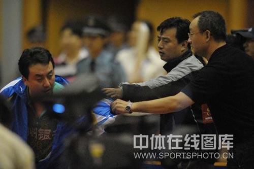 图文:浙商银行3-1锦州银行 锦州银行教练不满