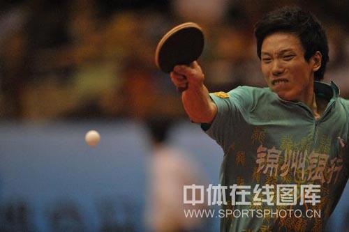 图文:浙商银行3-1锦州银行 雷震华在比赛中