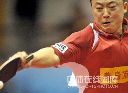 图文:浙商银行3-1锦州银行 马琳在比赛中
