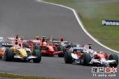 图文:F1日本大奖赛正赛 特鲁利在比赛中
