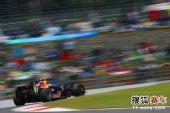 图文:F1日本大奖赛正赛 韦伯在比赛中