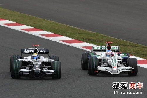 图文:F1日本大奖赛正赛 罗斯伯格和巴顿
