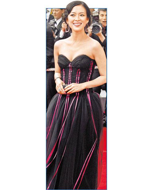 章子怡近年电影事业越来越国际化,传出明年将嫁入豪门
