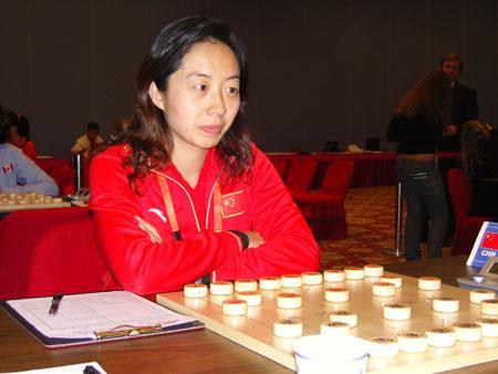 胡明在象棋女子团体比赛中图片