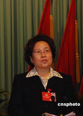 图为金银焕在2008年山西省召开的省政协十届一次会议上。中新社发张雷杰 摄