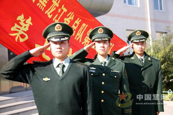 武警07式冬常服正式换发亮相 均为深橄榄绿图片