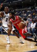 图文:[NBA]火箭VS灰熊 布鲁克斯加速突破