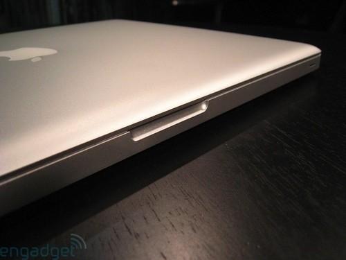 创新型设计 苹果新一代笔记本开箱(图)