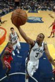 图文:[NBA]灰熊VS火箭 克里滕顿上篮得手