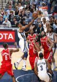 图文:[NBA]灰熊VS火箭 盖伊从容面对防守