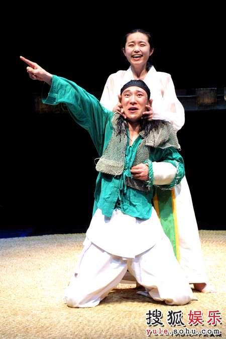 图:木花剧团《罗密欧与朱丽叶》剧照4