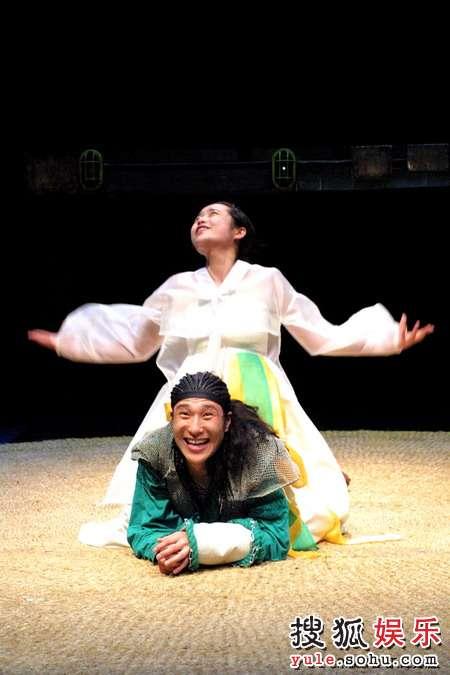 图:木花剧团《罗密欧与朱丽叶》剧照7