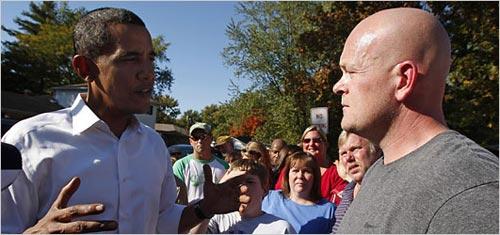 水管工人乔在奥巴马访问当地街区将他拦下,询问自己的税务问题。