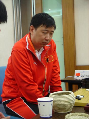 图文:围棋混双半决赛开战 俞斌九段亲自上阵