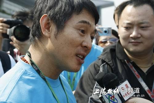 李连杰接受采访
