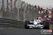 图文:F1中国站排位赛 库比卡急速飞驰