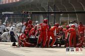 图文:F1中国站排位赛 莱科宁进维修站