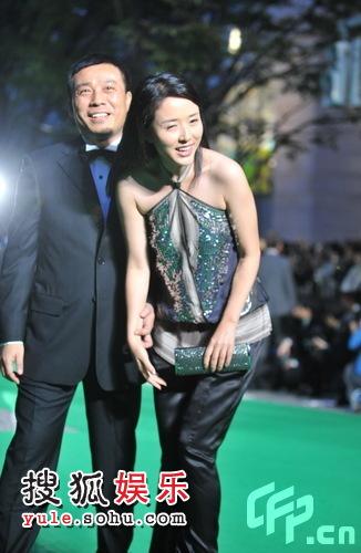 东京电影节绿毯星光闪耀 颜丹晨亮相