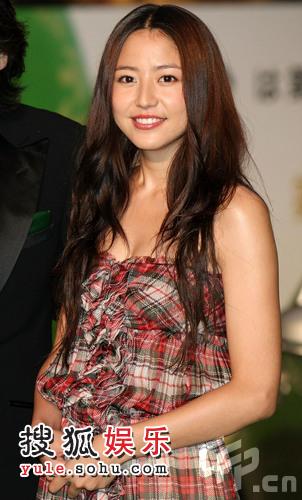 东京电影节绿毯星光闪耀 日本女星长泽正美