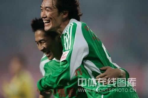 图文:[中超]辽宁0-1北京 杜文辉破门