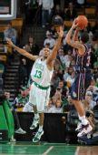 图文:[NBA]篮网VS凯尔特人 哈里斯投篮