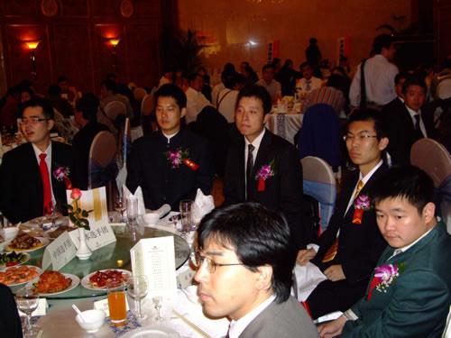 中国队五人集体亮相