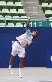 图文:中国网球大奖赛首日 柏衍发球瞬间
