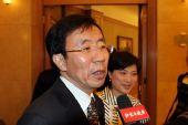 图文:农心杯首局中国获胜 华以刚接受记者采访