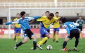 图文:[中超]陕西2-0大连 维森特首开纪录