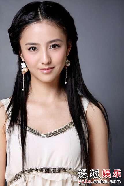 佟丽娅:每天一杯酸奶 练就果冻美人儿 图 搜狐娱乐