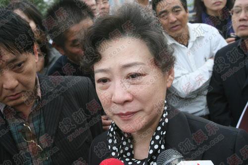 图:谢晋追悼会-王馥荔