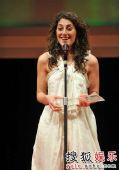 《自助者天助》获最佳艺术贡献奖 代表代为领奖