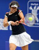 图文:中国网球大奖赛冠军赛 孙甜甜比赛中回球