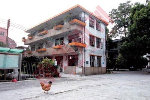 广州白云区人和镇的小产权房,镇上的小产权房成交价普遍在每平米1200元左右。图:孙炯