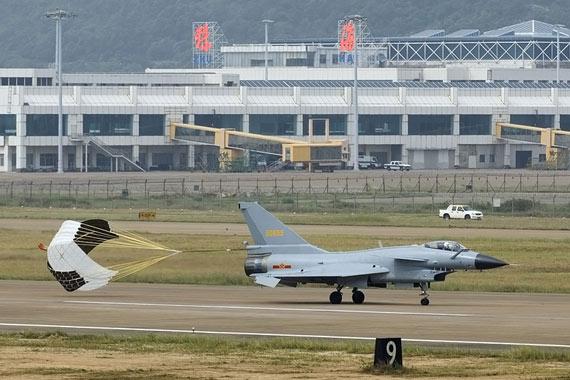 美媒称中国在歼10基础上研制歼13隐形战机(图)