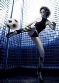 图文:意大利高球女星苏菲桑德罗 劈腿足球宝贝