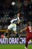 图文:尤文图斯2-0罗马 阿毛里跃起争顶头球