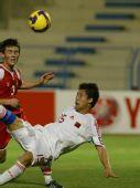图文:[亚青赛]国青6-0塔吉克 倒钩攻门