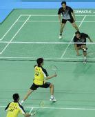 图文:羽毛球巴黎公开赛女双决赛 印尼选手比赛