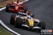 图文:F1巴西大奖赛正赛 阿隆索努力追赶