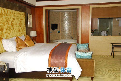 图文:杨威杨云天价婚房  卧室